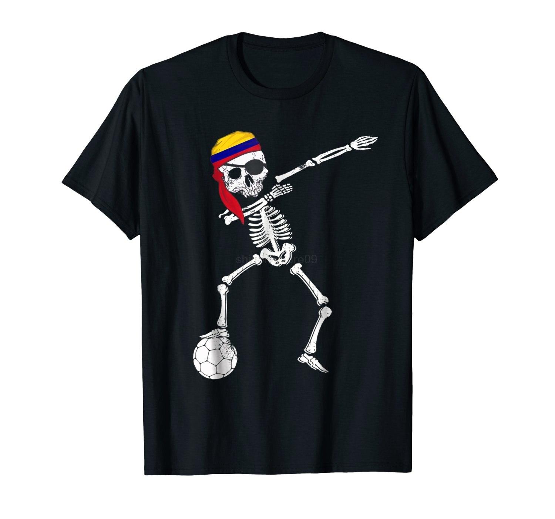 Nova moda Top Tees Camisetas Novidade O Pescoço Tops Colômbia Pirata  Patriótico Colombia Camisa Soccers Shirt 573167132450d