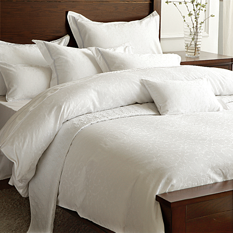 Completely new White Comforter Queen. Fabulous Madison Park Celeste Piece Queen  XT61