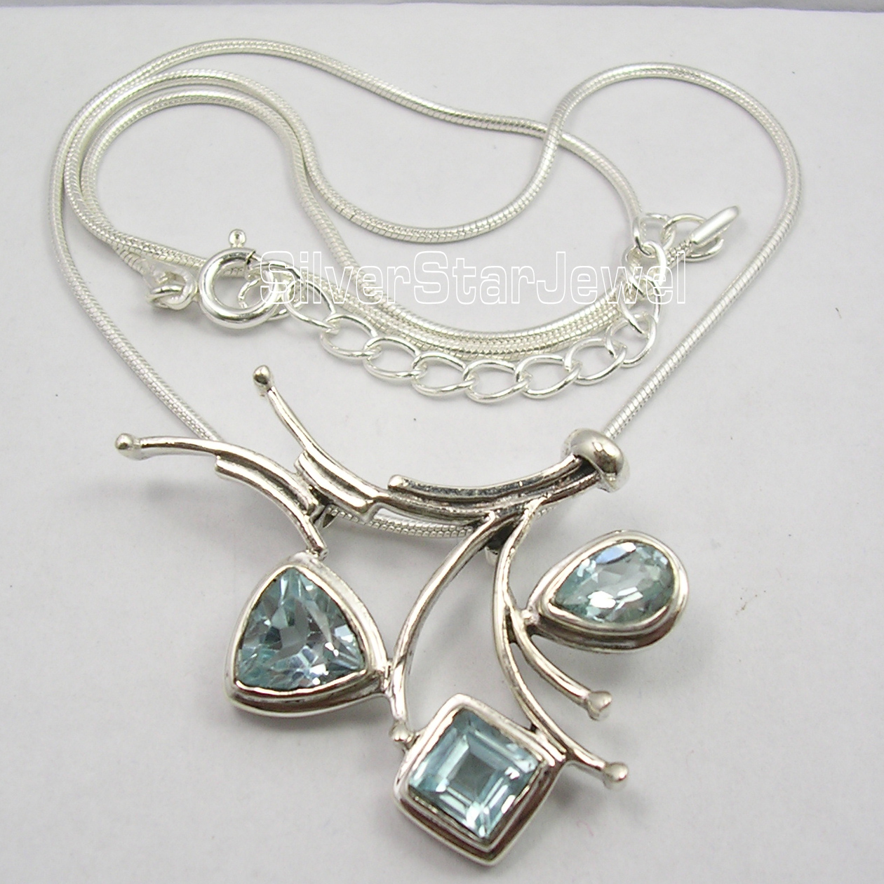 Cari Internationale Argent Pur À Collectionner CUT BLUE Topas 3 Gemset INHABITUEL Collier 18.5 Pouces