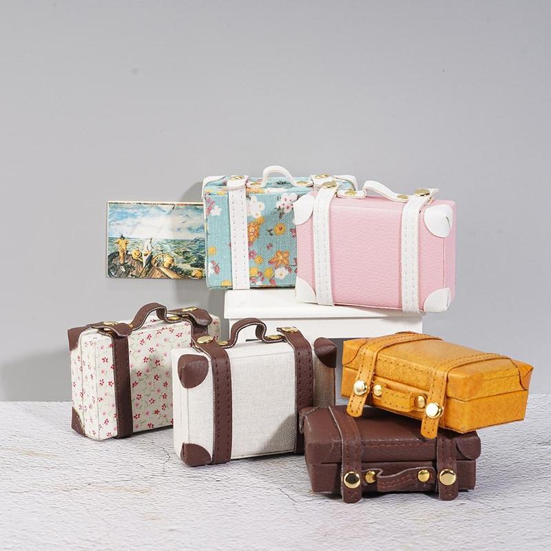 1:12 Dollhouse 6 Points Large Suitcase Pocket Mini Type Dollhouse Simulation Model Wood Metal Buckle Dollhouse Suitcase