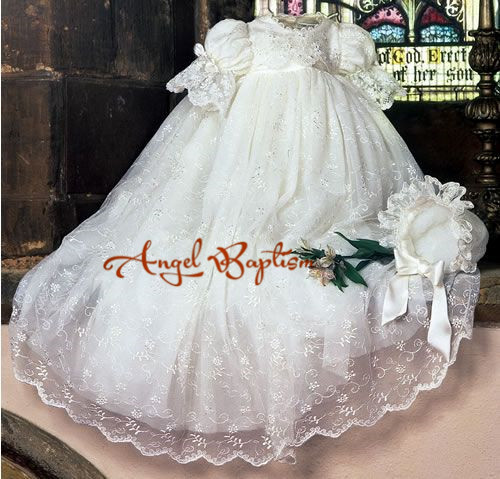 Vintage Baby Girl Boys Lace White Ivory First Communion Dresses Christening  Gown Baptism Dress With Bonnet b34e99cc1bc2