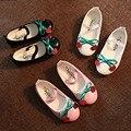 Moda Cereja Bonito das Crianças do Sexo Feminino Sapatos de Couro Meninas Princesa Sapatos Único Sapatos de Dança Do Partido Da Criança Do Bebê 21-36 metros