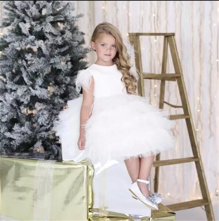 White Flower Girl Dresses Special For Weddings Jewel Neckline Tiered Kids Pageant Gowns 2018 New Customized Girls Dresses