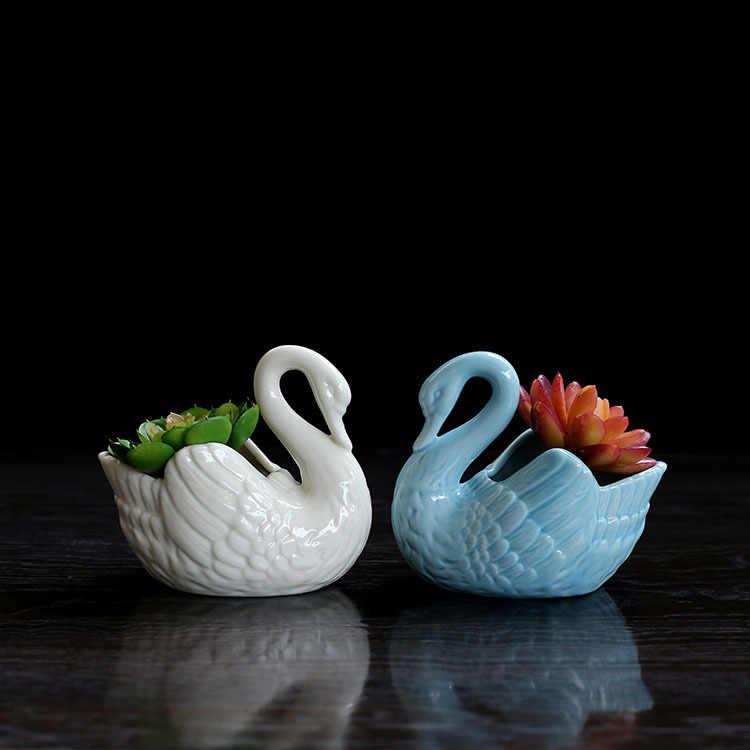 Лебедей из цветов купить на украине, онлайн цветы