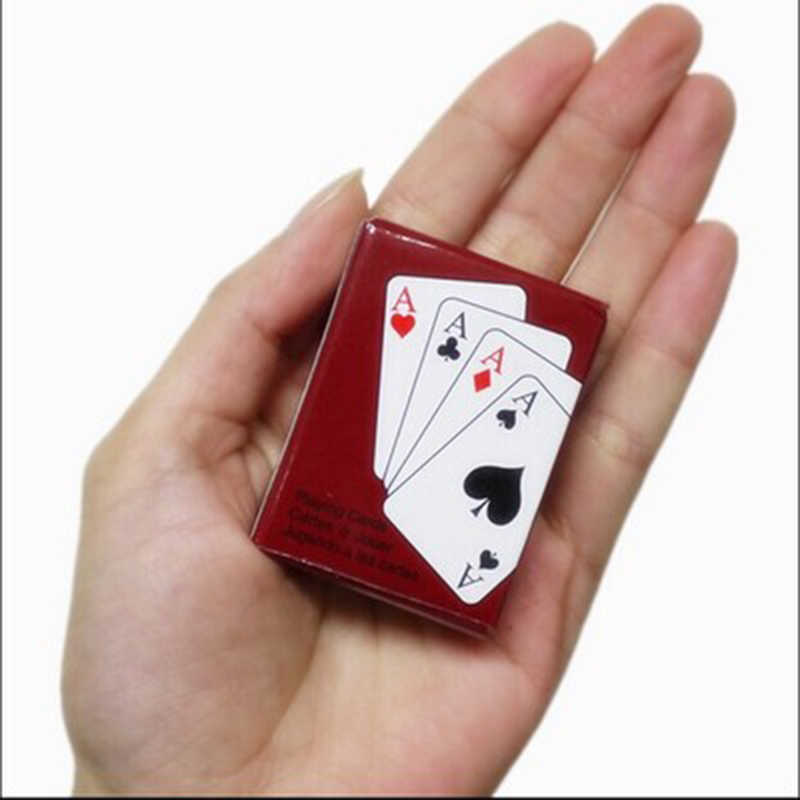 مجموعة لعبة البوكر الصغيرة 5.3*3.8 سنتيمتر بطاقة لعب مثيرة للاهتمام المحمولة لعبة لوح السفر في الهواء الطلق