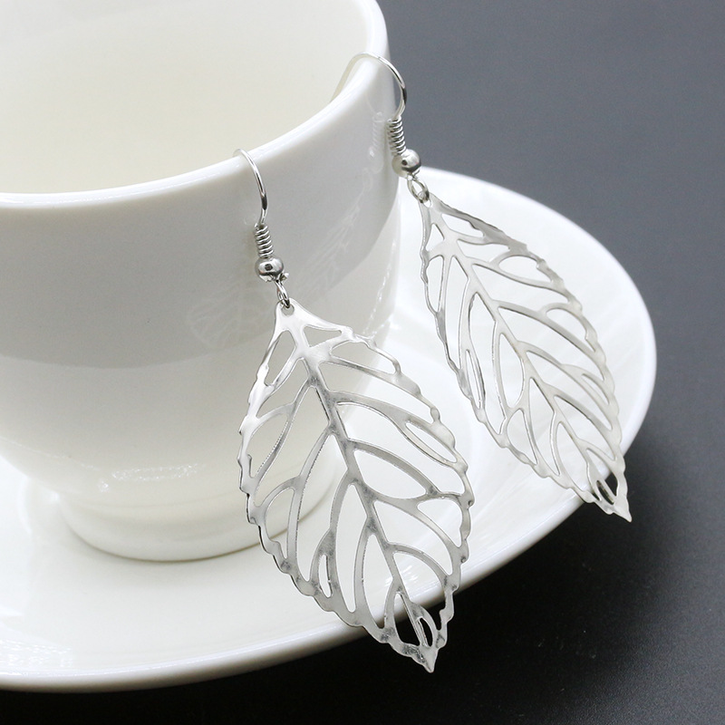 ER027  Girl fashion earrings jewelry exquisite simplicity the forest metal leaves earrings Drop Earrings for women