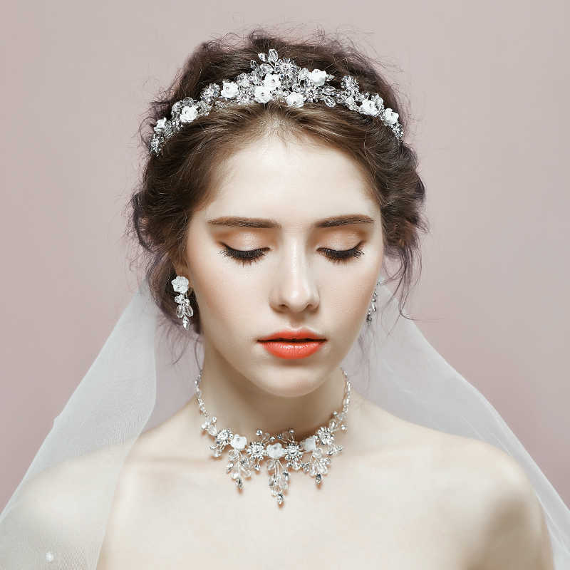 New Romantic Wedding Jewelry Sets Women Party Engagement Crown Necklace Earrings Set Princess Bridal Tiara Rhinestone Jewelry