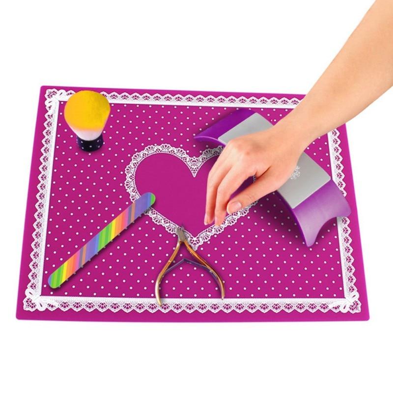 4 Farben Nail Art Tisch Matte Nagel Matte Pad Nette Punkt Spitze Silikon Faltbare Waschbar Maniküre Nagel Werkzeuge Salon Ausrüstung Schönheit & Gesundheit Werkzeuge & Zubehör