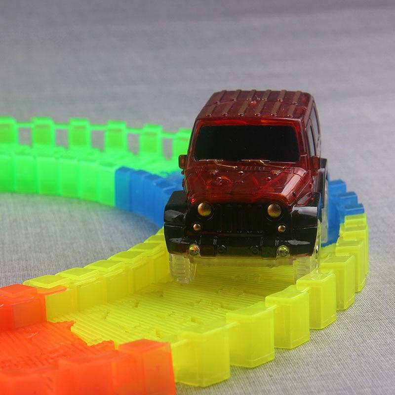 Pista flexible DIY Toy Slot Car Kit con luz LED Coche brilla en la - Vehículos de juguete para niños - foto 2