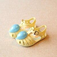 Mini Sed 2017 Novos Do Bebê Meninas Sandálias Da Geléia Doce Cor Balão Bonito Moda Crianças Sandálias de Verão Princesa Sapatos Amarelos 20-27