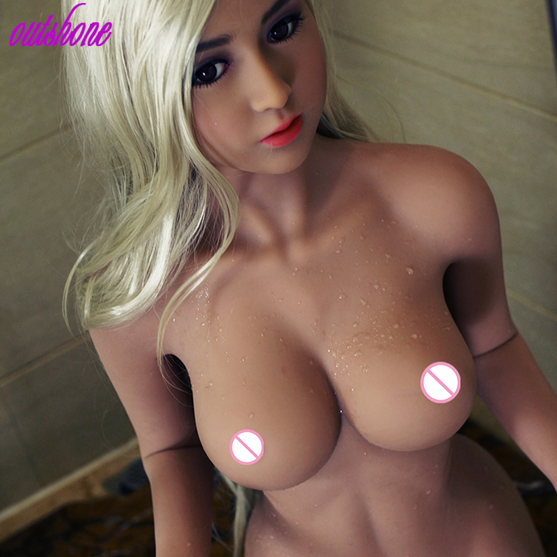 Young women haveing porn with and old guy