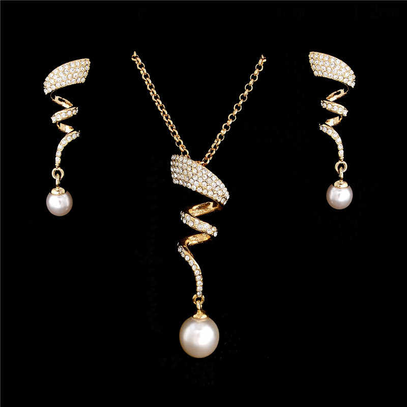 Fashion Costume Jewelry Sets Vintage Imitation Pearl necklace Gold jewelry set for women Clear Crystal Elegant Party Gift Bijoux