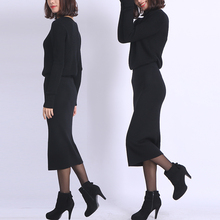 สองชิ้นชุดหนาลายกลวงออกถักเสื้อกันหนาวเสื้อสวมหัวดึงF Emmeสไตล์เกาหลีแพคเกจสะโพกขั้นตอนเดียวกระโปรง