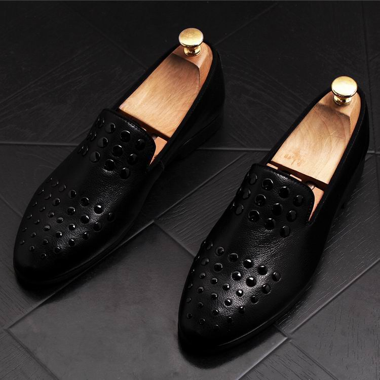 New Arrival Luxury Men Black Loafer Shoes Fashion Designer Slip On Rivets Trending Casual Shoes Man British Chic Zapatos 9