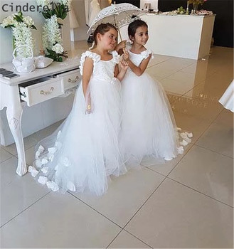 Cinderella Scoop Lace Applique Hand Made Flower Pearl Beading Tulle Flower Girls Dresses Backless Little Girl Party Gowns