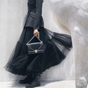 Image 3 - Pista de luxo das mulheres saia preta 2019 moda cintura elástica bola vestido malha saias femininas longo voile maxi saias jupe longue