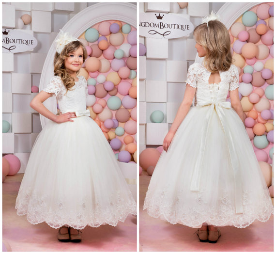 цены White And Ivory Flower Girls Dresses For Wedding Gowns Short Sleeve Party Dress Tulle Pageant Dress Lace Mother Daughter Dresses