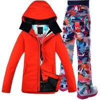 Ветрозащитный дышащий Водонепроницаемый сноуборд куртка для снежной погоды + Брюки для девочек теплая одежда комплект 2017 Gsou снег лыжный ко