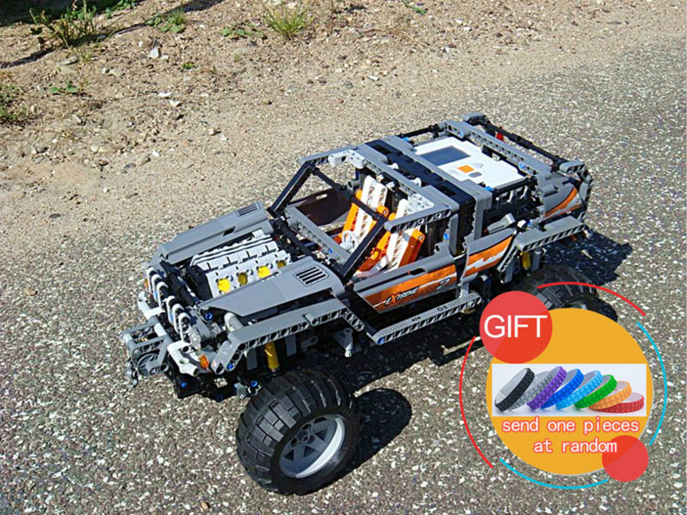 20030 1132Pcs Technical Ultimate Series The Off-Roader Set Children Educational Building Blocks Compatible with 8297 Toys lepin lepin 20030 1132pcs technik ultimate off roader cars legoingly 8297 sets building nano block bricks toys for boy gifts