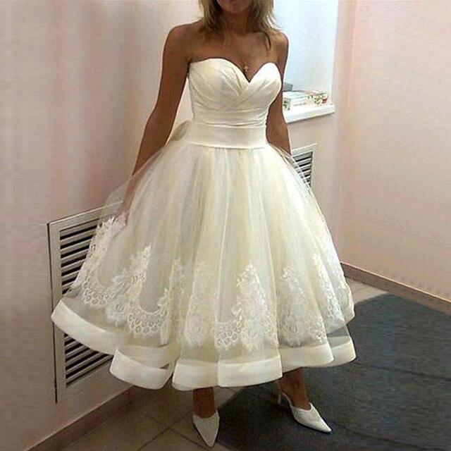 2019 nowa suknia ślubna na plaży Tea długość suknie ślubne Sweetheart linia Lace Up vestido de noiva curto aplikacje suknia ślubna
