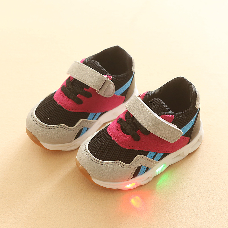 2018 Spring and Autumn new girls breathable casual LED lights sports shoes boys luminous soft baby shoes eu size 21-30