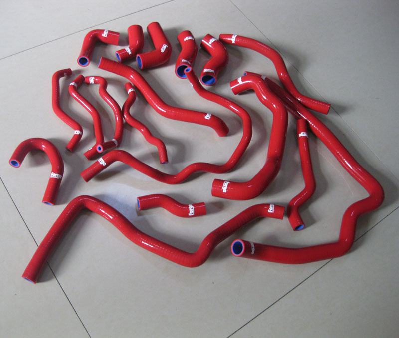 купить Radiator Silicone Hose kits for GOLF R20/SCIRROR R /AUDI S3 EA113 17PCS RED AND BLUE по цене 9383.66 рублей