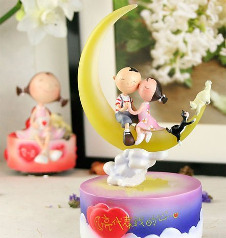 Newest 18cm Good Quality Shining Moon Lover Music Box Best Valentines Gift Birthday Present Toys