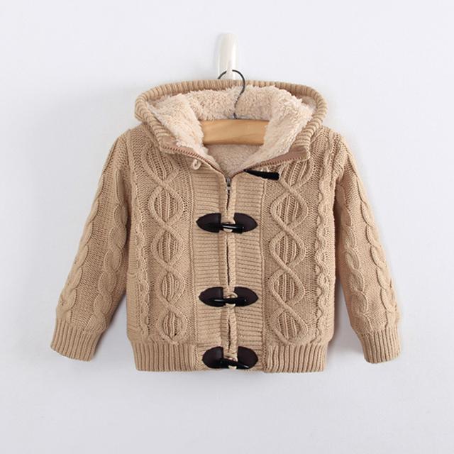 Menino casaco de inverno 2017 novo bebê inverno menino camisola sólida thcken menino quente camisola de malha botão garra com capuz menino outwear 2-8 T