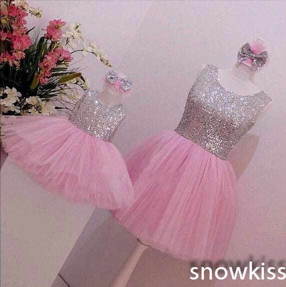Bling silver Sequined Knee-Length Pink tulle ball gown baby girl birthday party dresses mother and daughter dress with big bow 2018 pink sequined glitter tulle