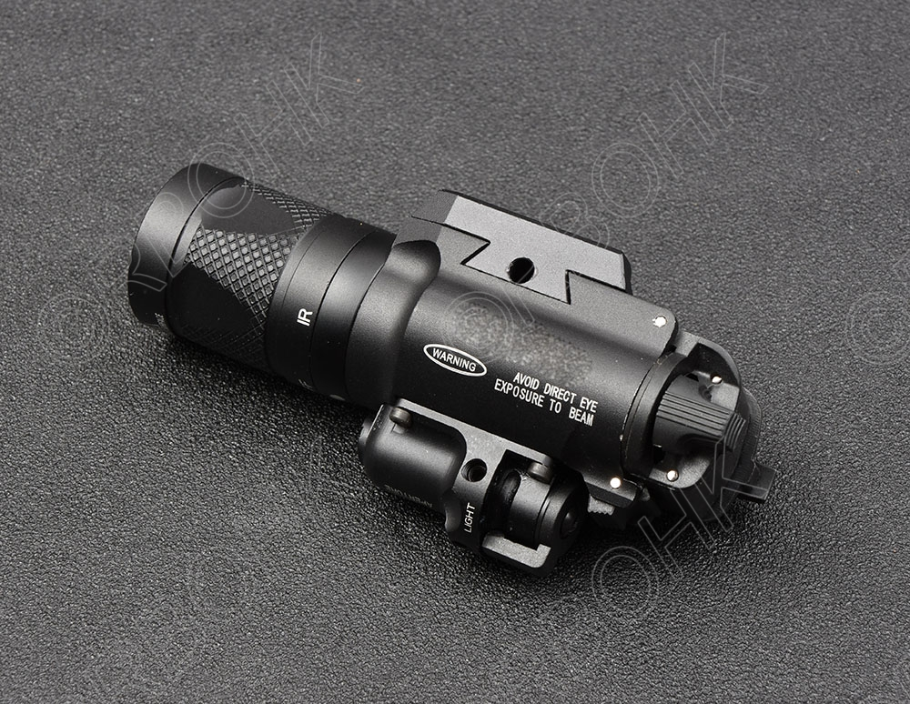 Tactical Weapon gun lamp light Light White light and IR Output for glock and picatinny rail base Aluminum 400V IR BLACK R4038 tactical weapon gun lamp light for glock and picatinny rail base hunting shooting aluminum alloy cutting x 400 black m7155