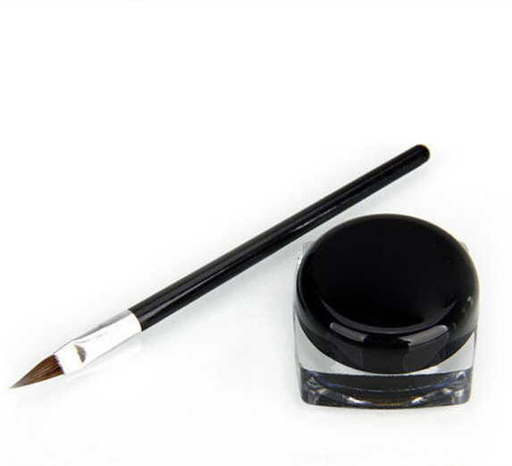 liquid eyeliner brush. liquid eyeliner brush