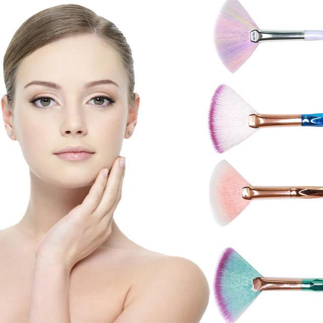 Highlighter Brush New 1Pcs Fan Blending Brush Diamond Portable Makeup Brush Beauty Make Up Tools Pincel Para Maquiagem