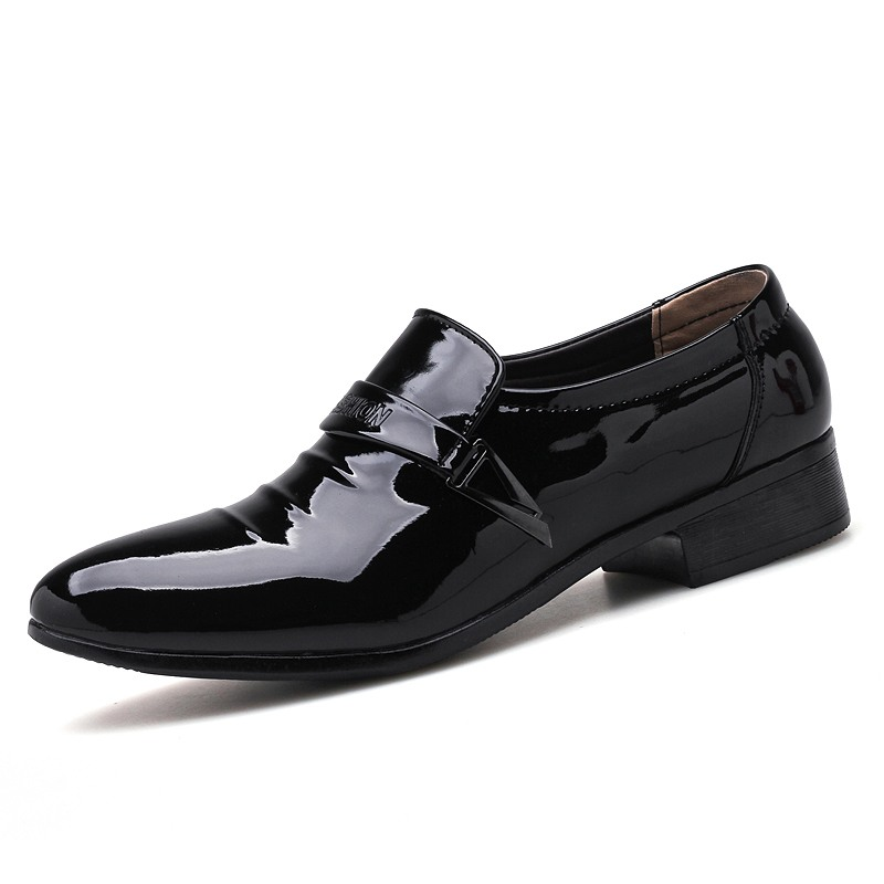 Men Pointed Toe Dress Shoes Slip on Male Patent Leather Luxury Shoes Comfortable White Black Man Formal Wedding Shoes Big Size plus size pointed toe slip on man glitter punk loafers luxury genuine leather studded wedding party men s runway shoes sl31