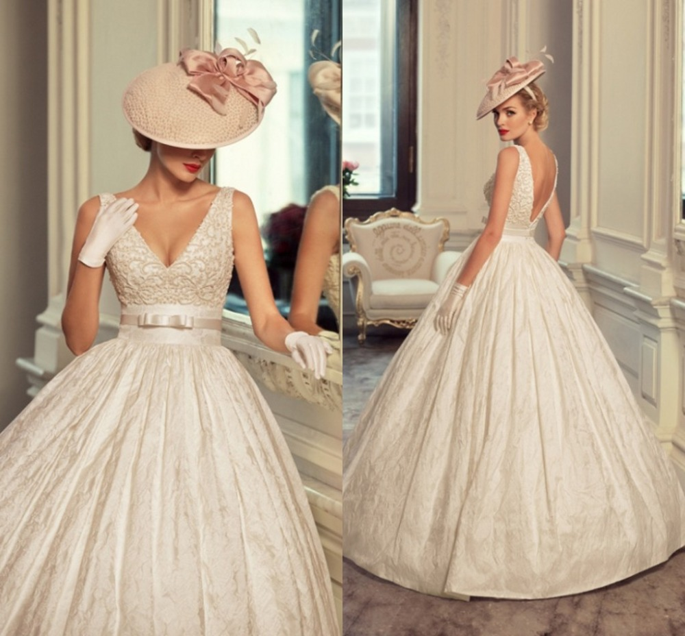 Vintage Latest Wedding Dress Lace Bridal Gown Appliques Ball Gowns Sash Bow Backless Dresses Deep V Neck Sapghetti Strap In From