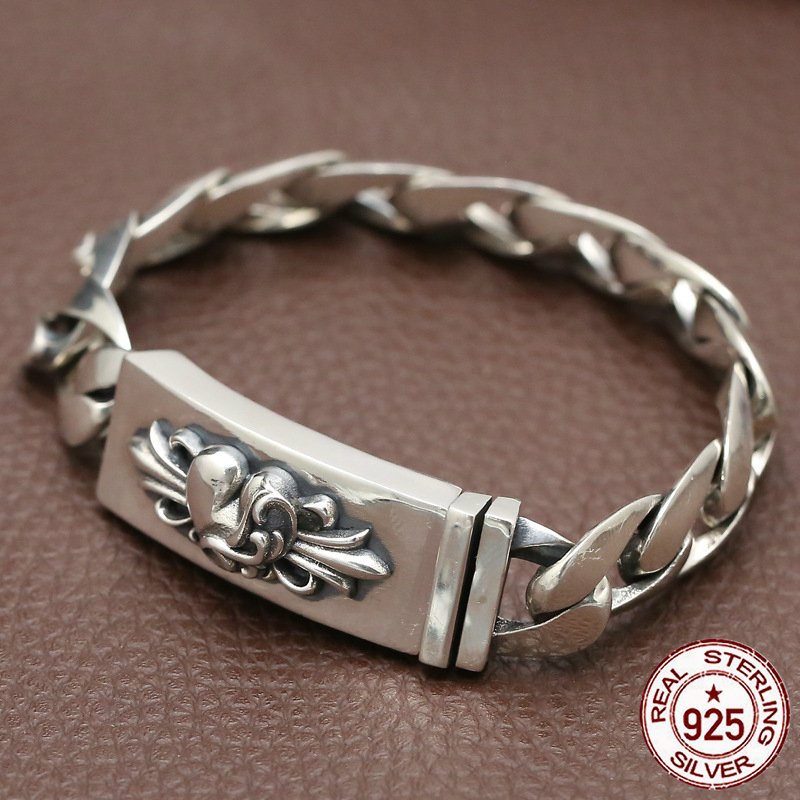 100% 925 sterling silver bracelet personality sleek minimalist retro jewelry domineering heart-shaped glossy face to send a gift black heart shaped rose pattern retro bracelet