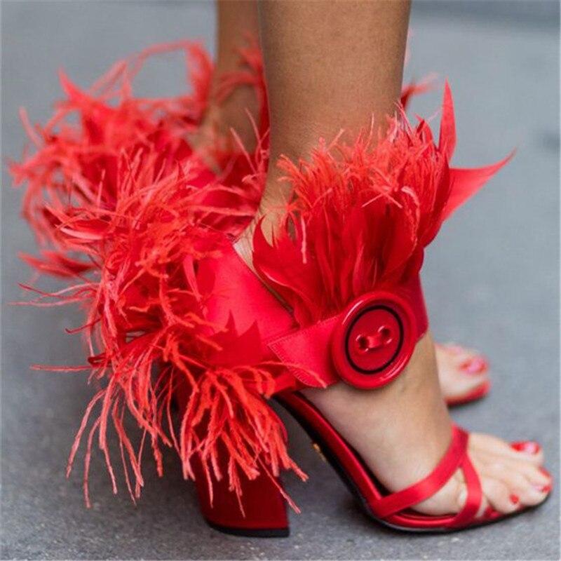 الأزياء ريشة صنادل طراز جلاديتور النساء مربع صندل بكعب مكتنز عبر حزام اصبع القدم مفتوحة الأحمر مرحلة المنصة الصيف Sandalias-في كعب عالي من أحذية على  مجموعة 2