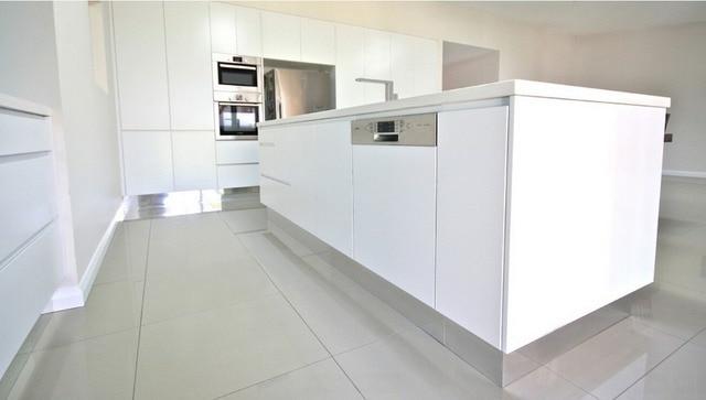 2017 Beliebte Design Zwei Pack Malerei Hochglanz Weiß Küchenschränke  Moderne Möbel Für Küche Modulare Küche Einheit