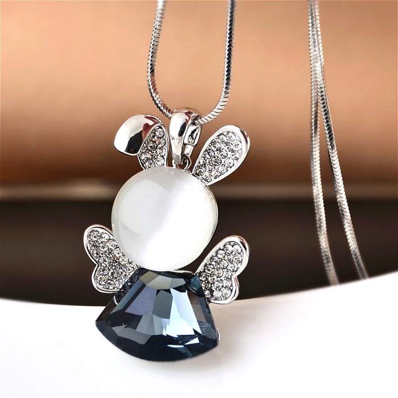 fab69f5b0d01 Dulce lindo conejo de cristal collar largo collar de mujer bijoux invierno  suéter Collares y colgantes lindo Navidad regalo