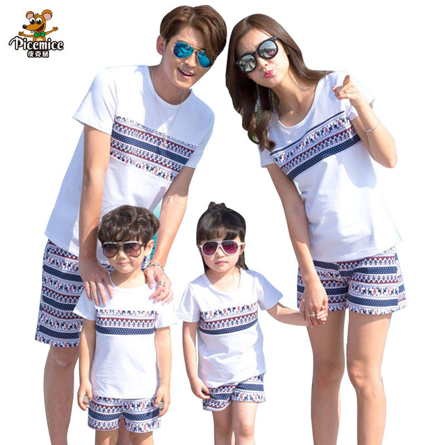 49f7fb10cf26 Family Matching Outfits 2019 Summer Print Boy Girl T shirt Shorts Family  Clothing Dad Son Mother and Daughter Clothes set