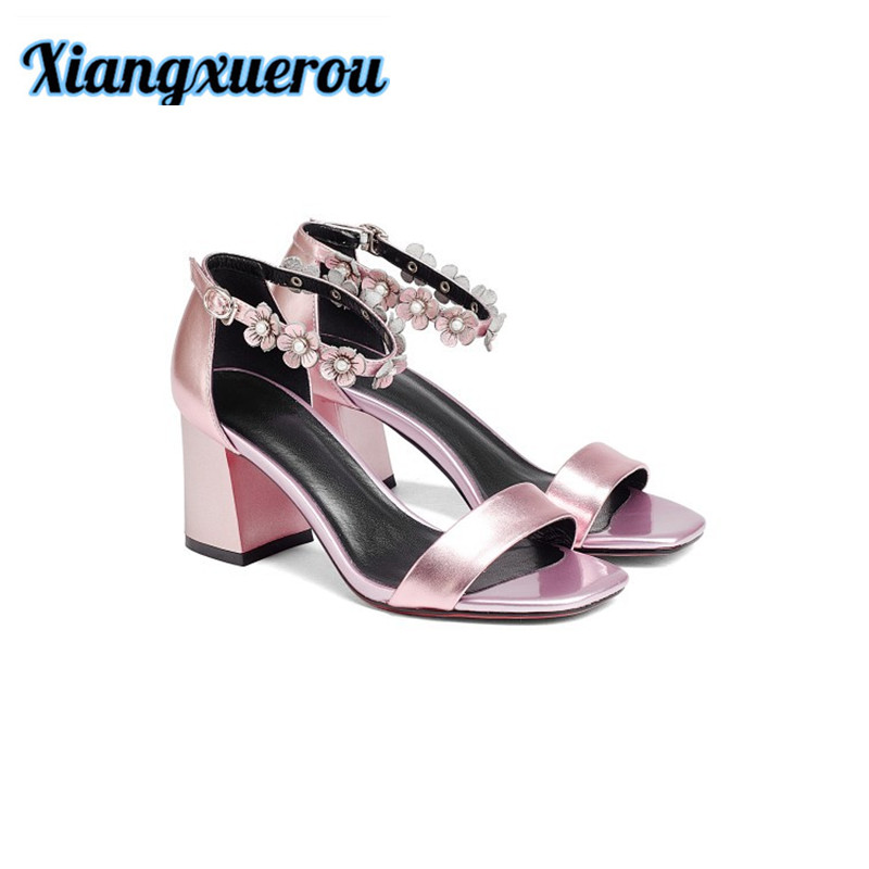 Xiangxuerou Summer genuine leather flower pearl decorated with open - toed open - toe female sandals. studd decorated belt