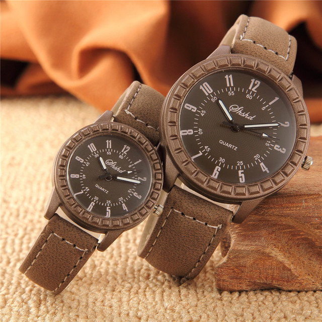 2Pcs Hot Sales Vintage leisure imitation wood watches men women lover couple dre