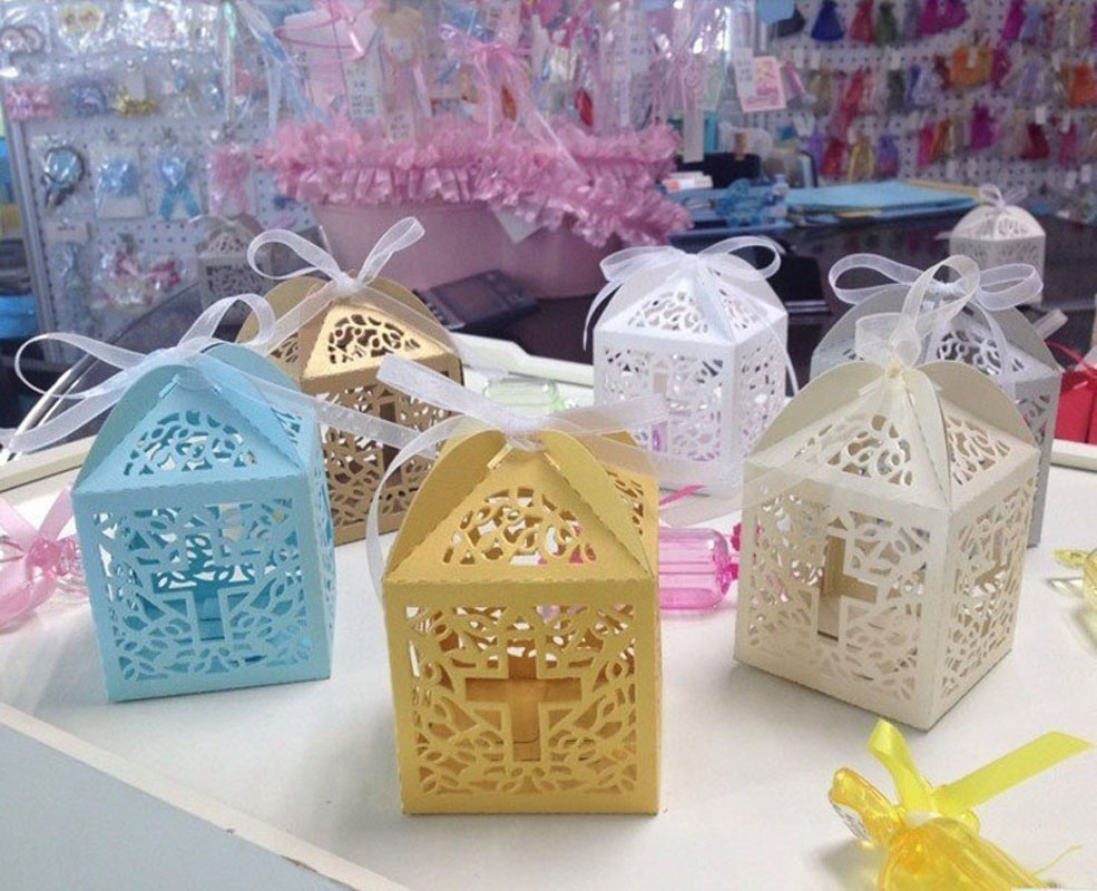 10pcs Cross Laser Cut Gift Candy Boxes Sweets Wedding Party Favor Hollow Carriage Baby Shower Favors With Ribbon Free Shipping