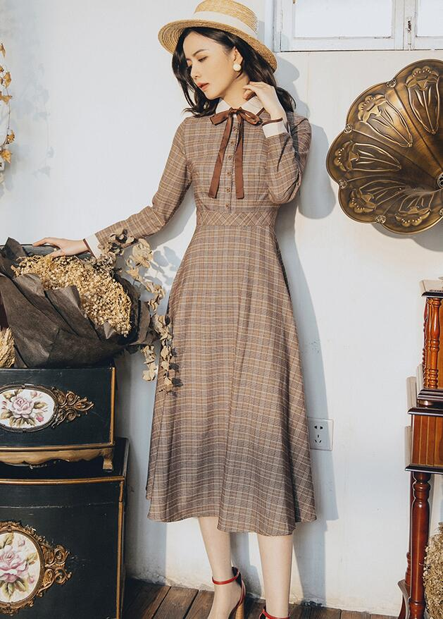 High Quality  Best-selling  Retro Autumn Winter New Arrival Peter Pan Collar Bowknot Plaid Printed  Woman Long Dress
