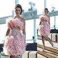 En La Moda de Satén Rosa Vestidos de Cóctel Rectos 2017 de la Cucharada de Apliques de Perlas Pluma Del Hombro Vestidos de Baile