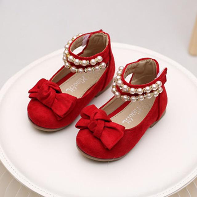 Moda Cadena de Perlas Correa Del Grano Zapatos de Los Bebés Zapatos de La Princesa Niños de La Muchacha Pisos Zapatos 2017 Primavera Infantil Primeros Caminante