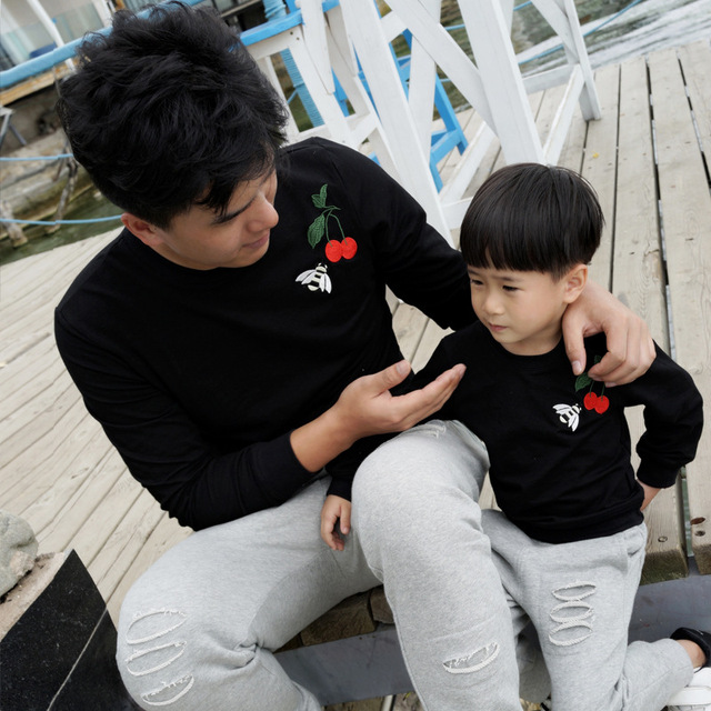 Family look fashion brand cotton set mum dad child boys girls clothes, mother and daughter embroidery cherry bee sweatshirt