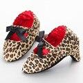 Bebé Girls Leopard zapatos de tacón Bombas Zapatos lindos de los niños inferiores Suaves niños Bebé recién nacido apoyos de la Demostración del bebé Zapatos Casuales
