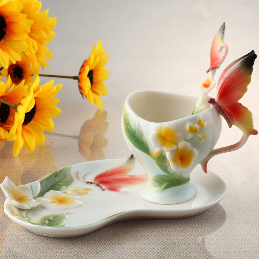Bone China Ceramic Enamel Coffee Cup European 3D Creative Butterfly and Flower Mug cups for Wedding GiftBone China Ceramic Enamel Coffee Cup European 3D Creative Butterfly and Flower Mug cups for Wedding Gift