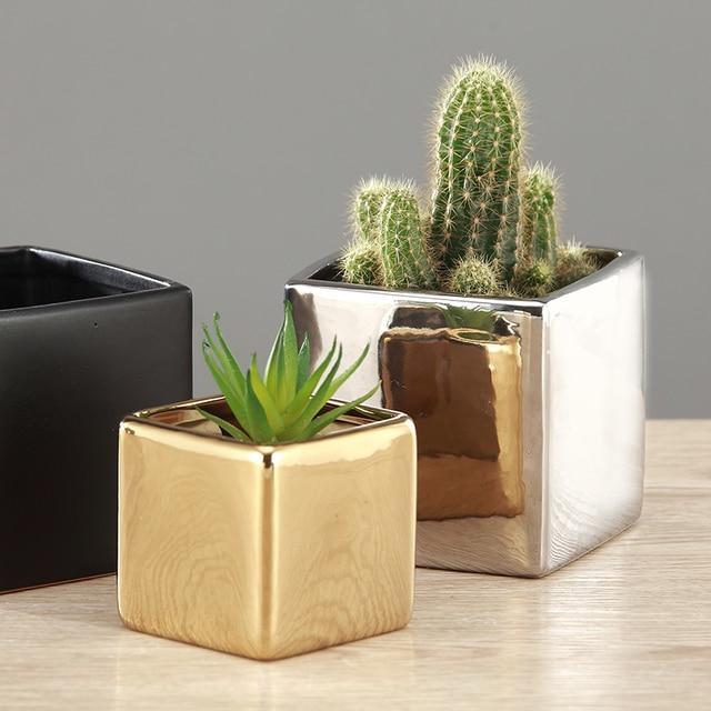 Modern simple ceramic vase  wedding room decorations electroplated gold vase Black/gold square European vase decoration