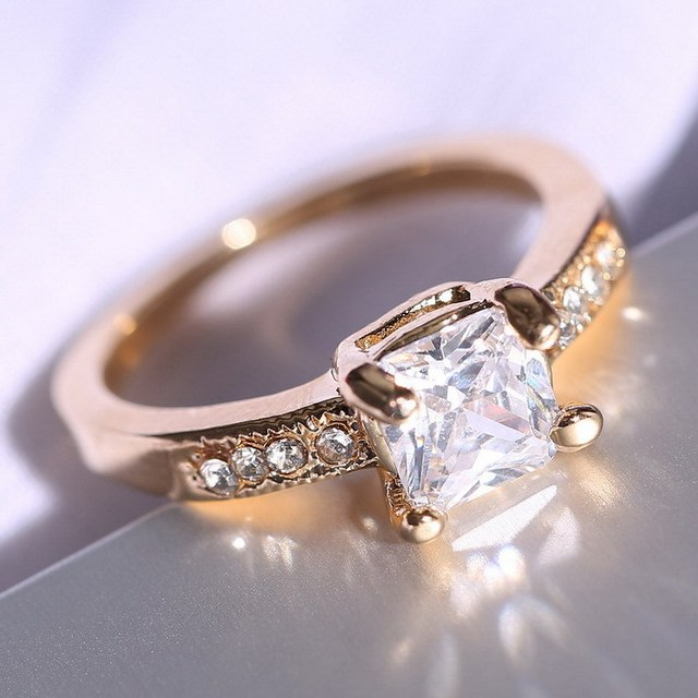 Female rhinestone wedding rings gold color Engagement Wedding